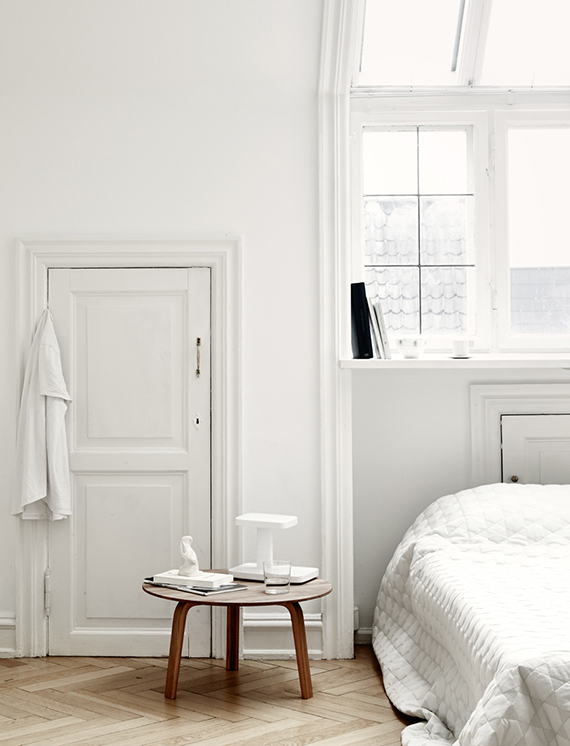 Modern white bedrooms inspiration | Photo by Anders Schønnemann. Styling by Nathalie Schwer