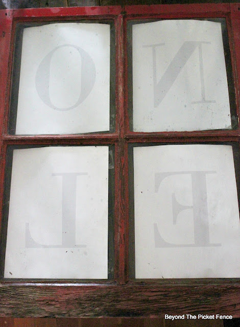 Christmas sign, old window, mirror printing, https://goo.gl/BcyJKv