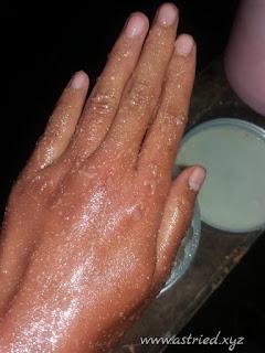 Hasil gambar untuk scrub tangan menggunakan garam