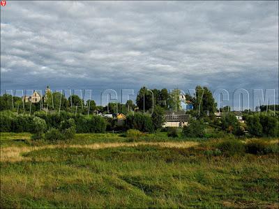 Вид на Смоляны с холма замка