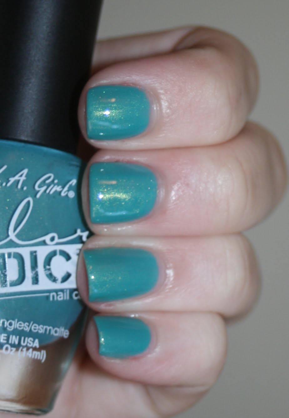 LA Girl Addict Delirious swatch