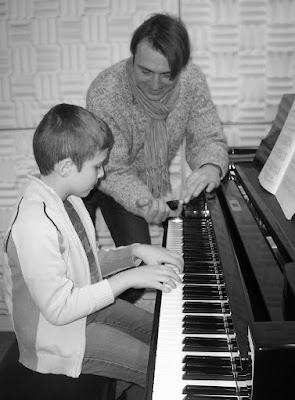 ils Mille Marburg Klavierlehrer Klavierunterricht Klavierpädagoge Klavier Marburg Privatunterricht Pianist Komponist Klavier Klassik Jazz Pop Rock Funk Klavierunterricht Klavierlehrer Klavierpädagoge Instrumentalunterricht Instrumentalpädagoge