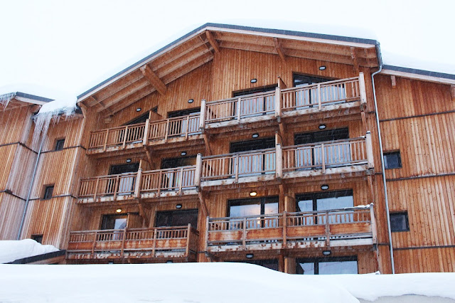 Hotel Tango - Skiing at Val Thorens - ski holiday in the French Alps - travel blog