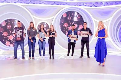 Alex, participantes, Dill, Rodrigo Cintra e Eliana  Crédito: Gabriel Cardoso/SBT