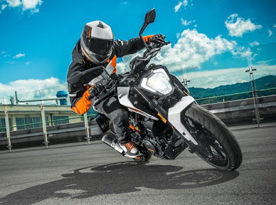 New 2017 KTM Duke 250 front profile pics