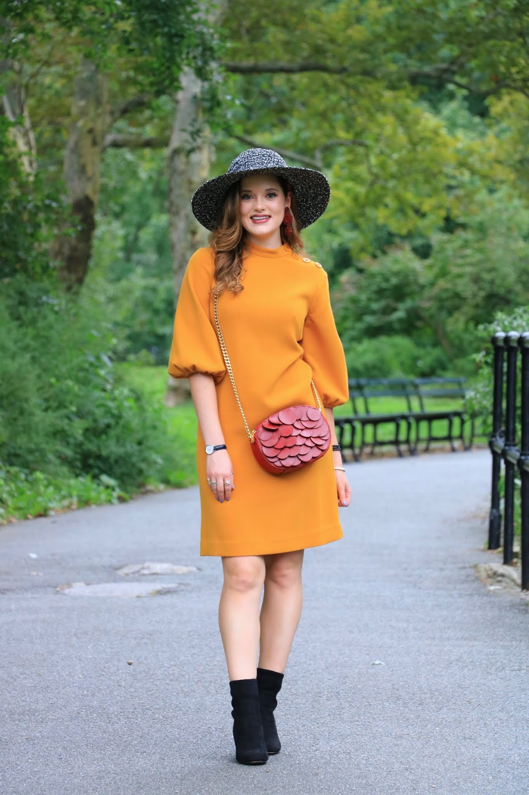 Nyc fashion blogger Kathleen Harper's cute fall dresses