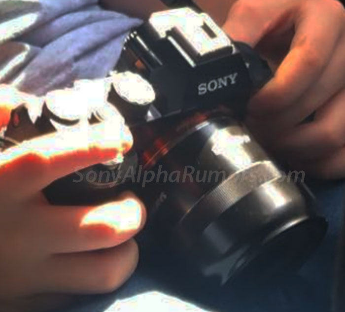 Объектив Samyang 45mm f/1.8 FE с камерой Sony