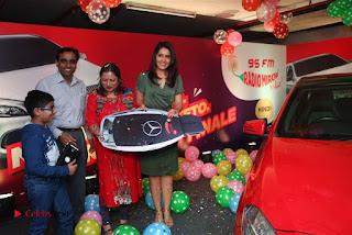 Raashi Khanna at Mirchi 95 Suno Mercedes Jeeto Contest Stills  0060.jpg