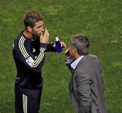 Mourinho talks to Ramos