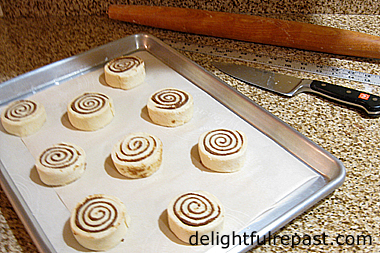 Cinnamon Rolls (this photo - sliced rolls) / www.delightfulrepast.com