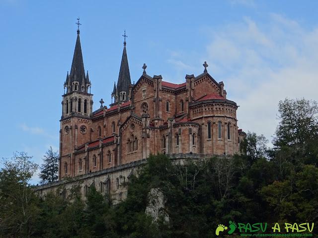 Peña Sienra desde Covadonga: Basílica