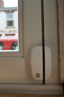 How to use yale window sensor
