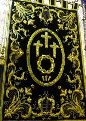 Estandarte de la cofradía de las Siete Palbras de Jesús en la Cruz. León. Foto G. Márquez.