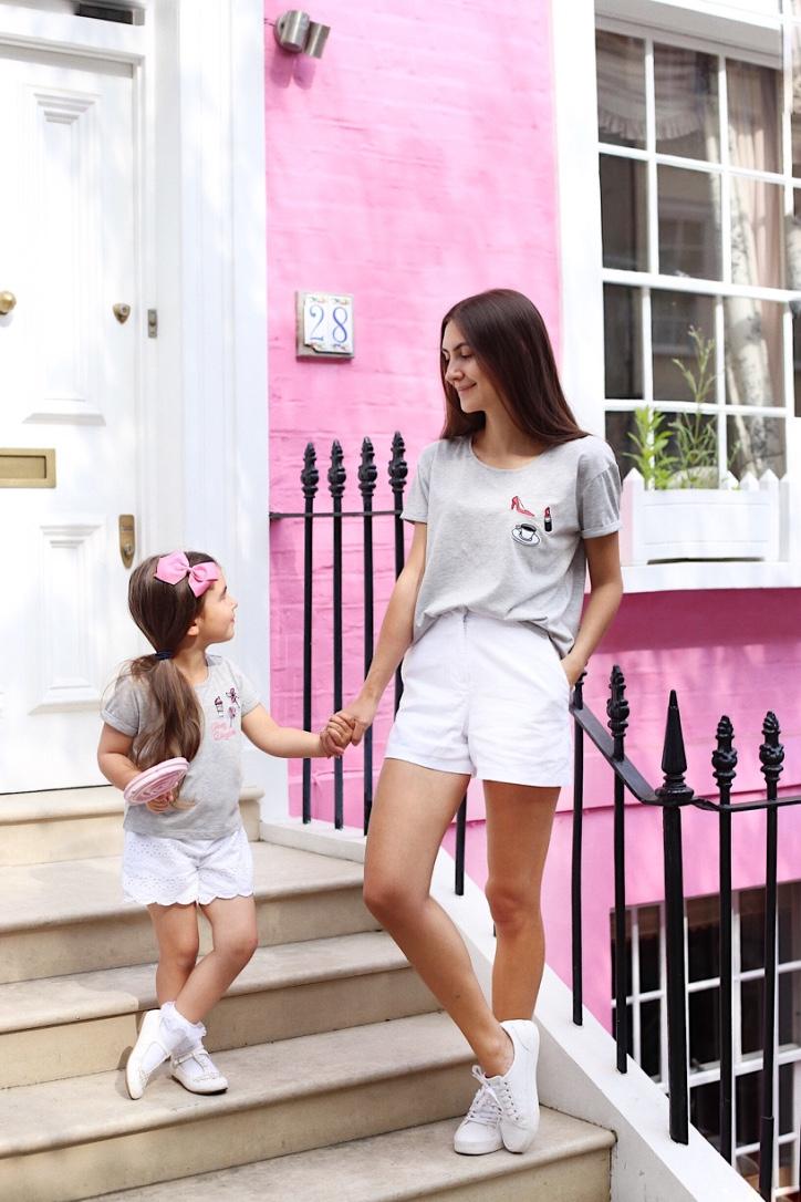 мама и дочка в одинаковых нарядах