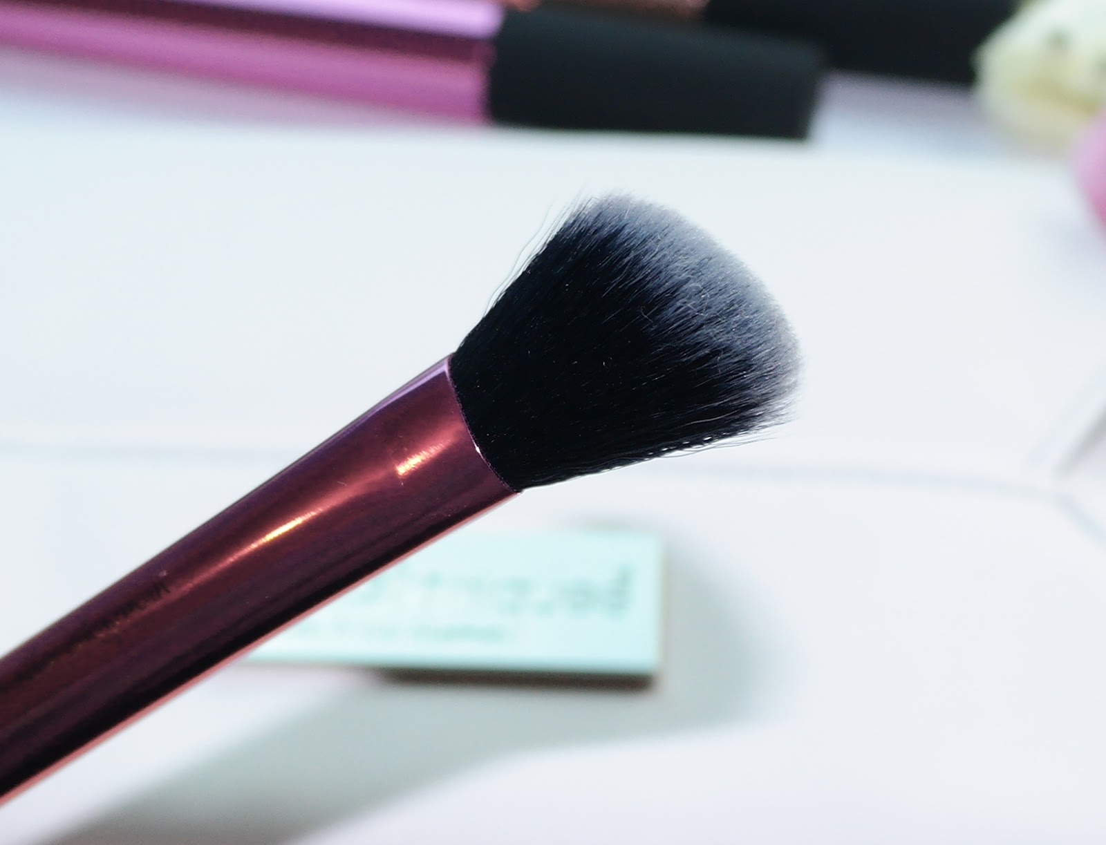 Real Techniques Angled Highlighter Brush