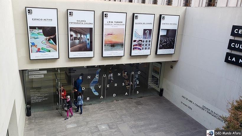 Entrada do Centro Cultural La Moneda - o que fazer em Santiago