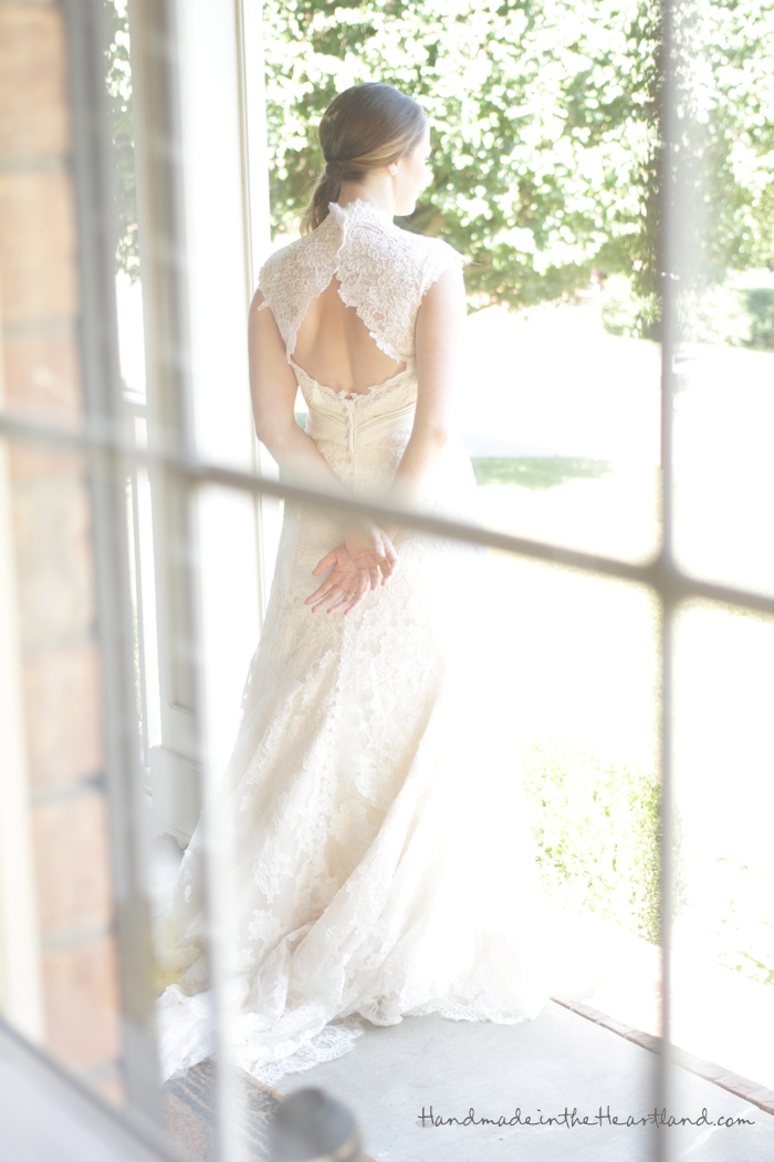 Lace fitted Wedding Gown, Open Back