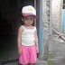 Nafisa Coba Topi kakaknya yang SD