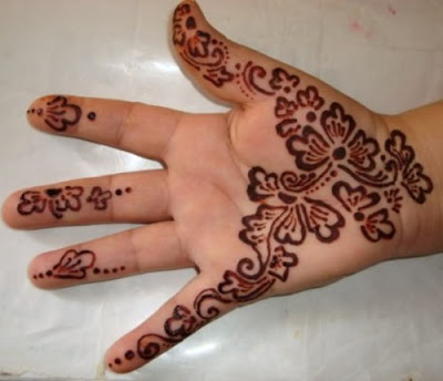 Simple henna patterns designs on children hands