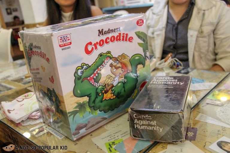 Board games in Cafe Noriter in Taft