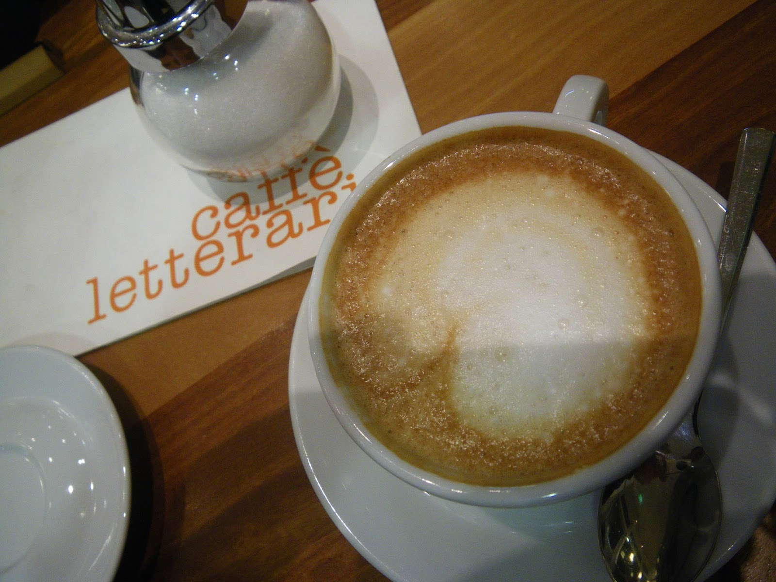 ausw rts essen regensburg auf einen cappucino im caff letterari in regensburg. Black Bedroom Furniture Sets. Home Design Ideas