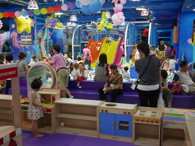 kiddie play area at mall