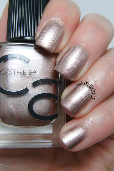 Catrice ICONails 11 Go For Gold! smalto nail polish