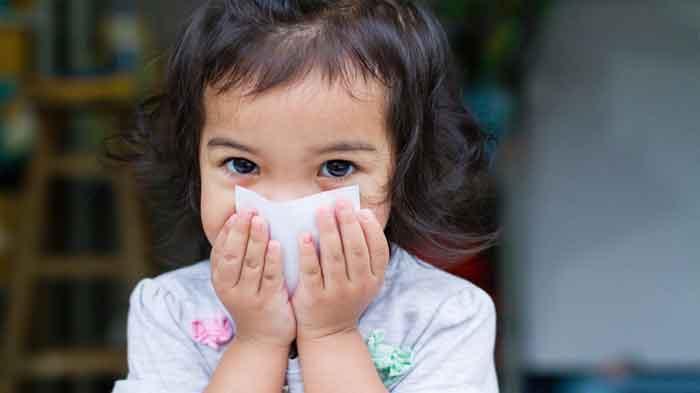 Bayi Sering Muntah Gumoh | Penyebab dan Cara Mengatasinya