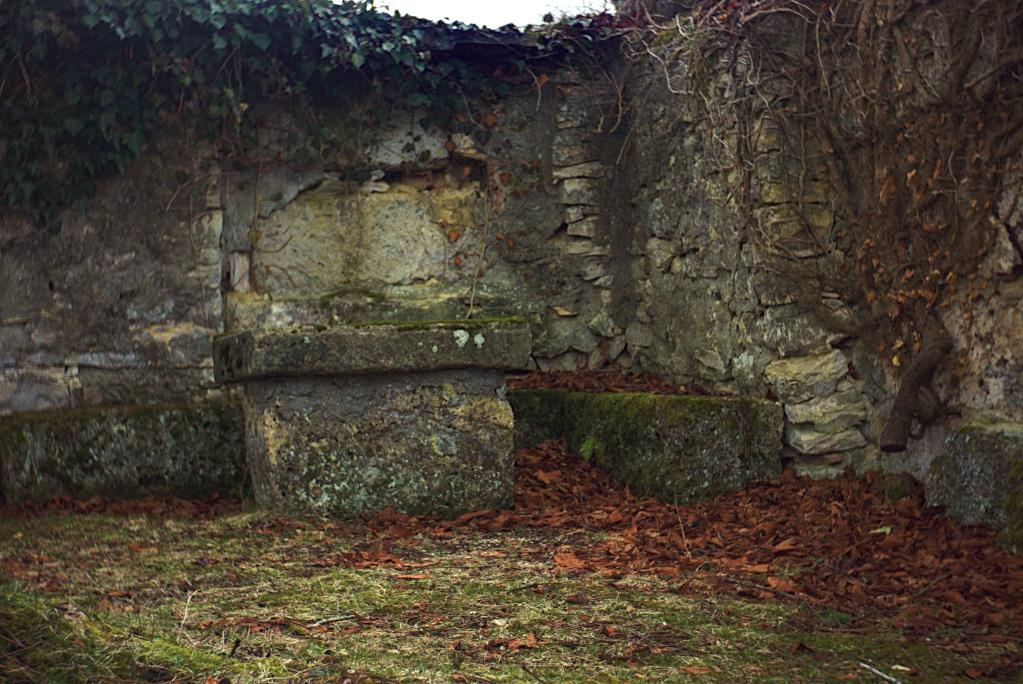 Gruorn – ehem. Truppenübungsplatz Münsingen (6) – Innenseite der Friedhofsmauer