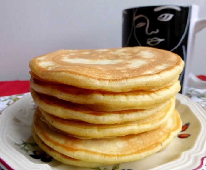 les mets tiss s cuisine d 39 ici et d 39 ailleurs pancakes express au yaourt. Black Bedroom Furniture Sets. Home Design Ideas