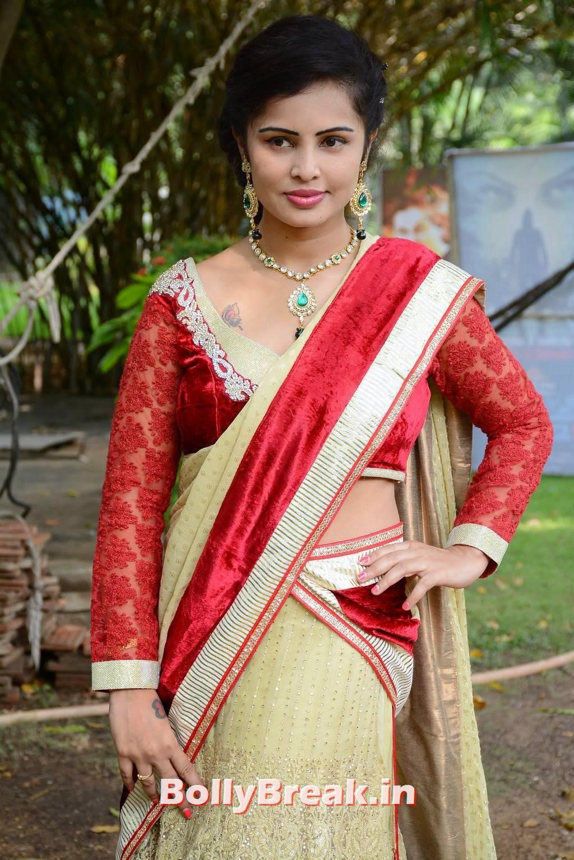 Hashika Dutt Photoshoot Stills, Actress Hashika Dutt hot Pics in low waist saree