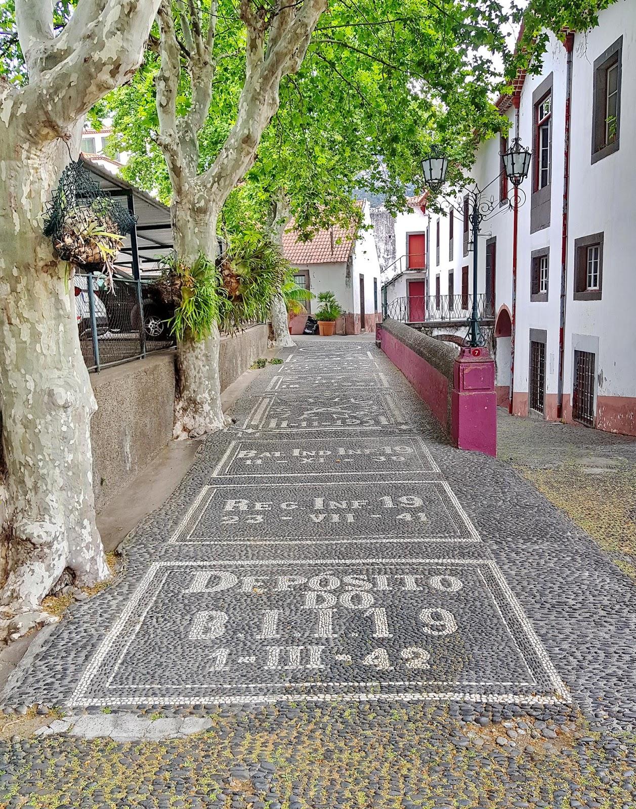 história na Calçado do Colégio dos Jesuítas