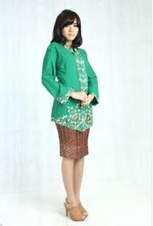 Kebaya Kartini Hijau Rok Batik Modern Terbaru
