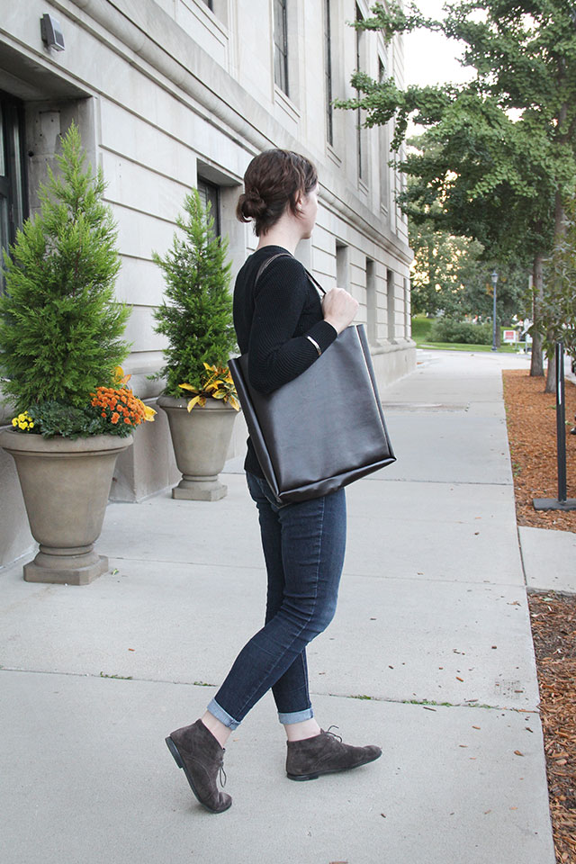 Easiest. Bag. Ever. - DIY Everyday Shoulder Bag