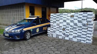 PRF APREENDE 11 MIL MAÇOS DE CIGARRO NA RÉGIS BITTENCOURT EM BARRA DO TURVO