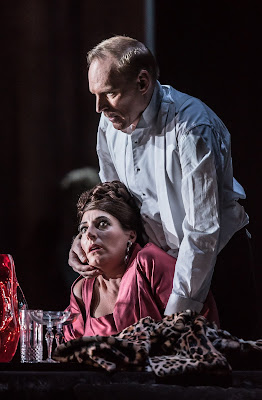 Amanda Echalaz, Charles Workman - Thomas Adès: The Exterminating Angel - © ROH, photo Clive Barda