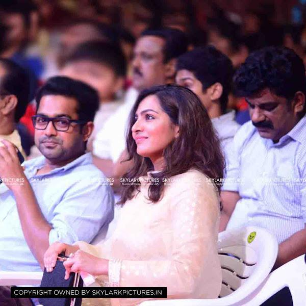 Parvathy Menon latest photos from Film Critics Award 2016
