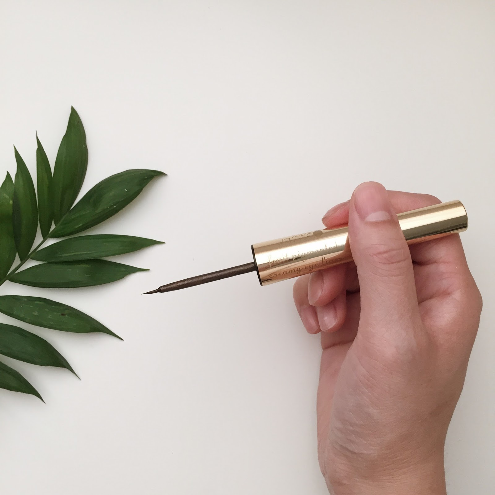 100% Pure Long Last Liquid Eye Liner Review natural organic nontoxic hellolindasau