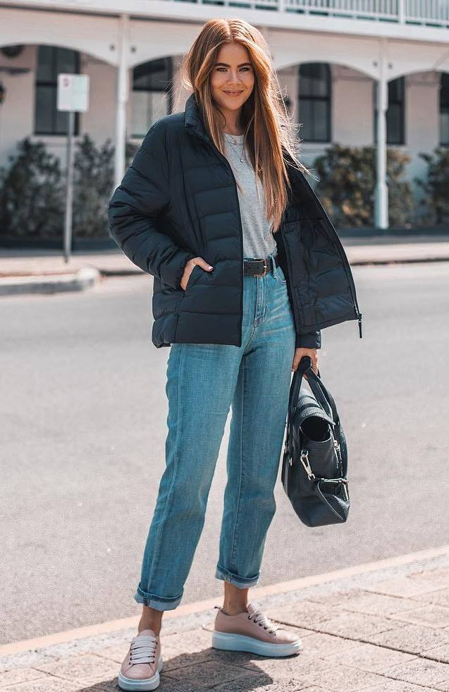 very comfy outfit idea for this fall : black bag + jacket + boyfriend jeans + sneakers + top