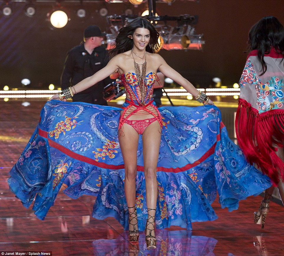 Kendall was a natural on the VS 2015 Runway