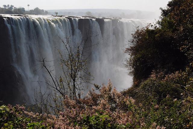 les « chutes principales », avec leurs 100 mètres de hauteur