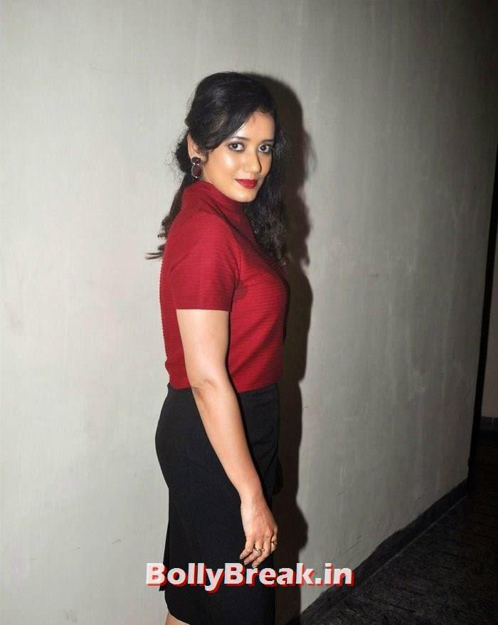 Shreya Narayan, Photos from 'Super Nani' Movie Special Screening