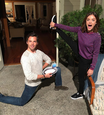 PLL behind-the-scenes 7x14 Lucy Hale and Ian Harding reenact proposal with emoji ring (Ezria, Lucian)