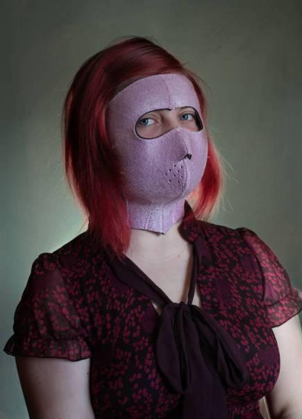 Facemask - Alat Kecantikan Aneh Yang Menjanjikan Kecantikan