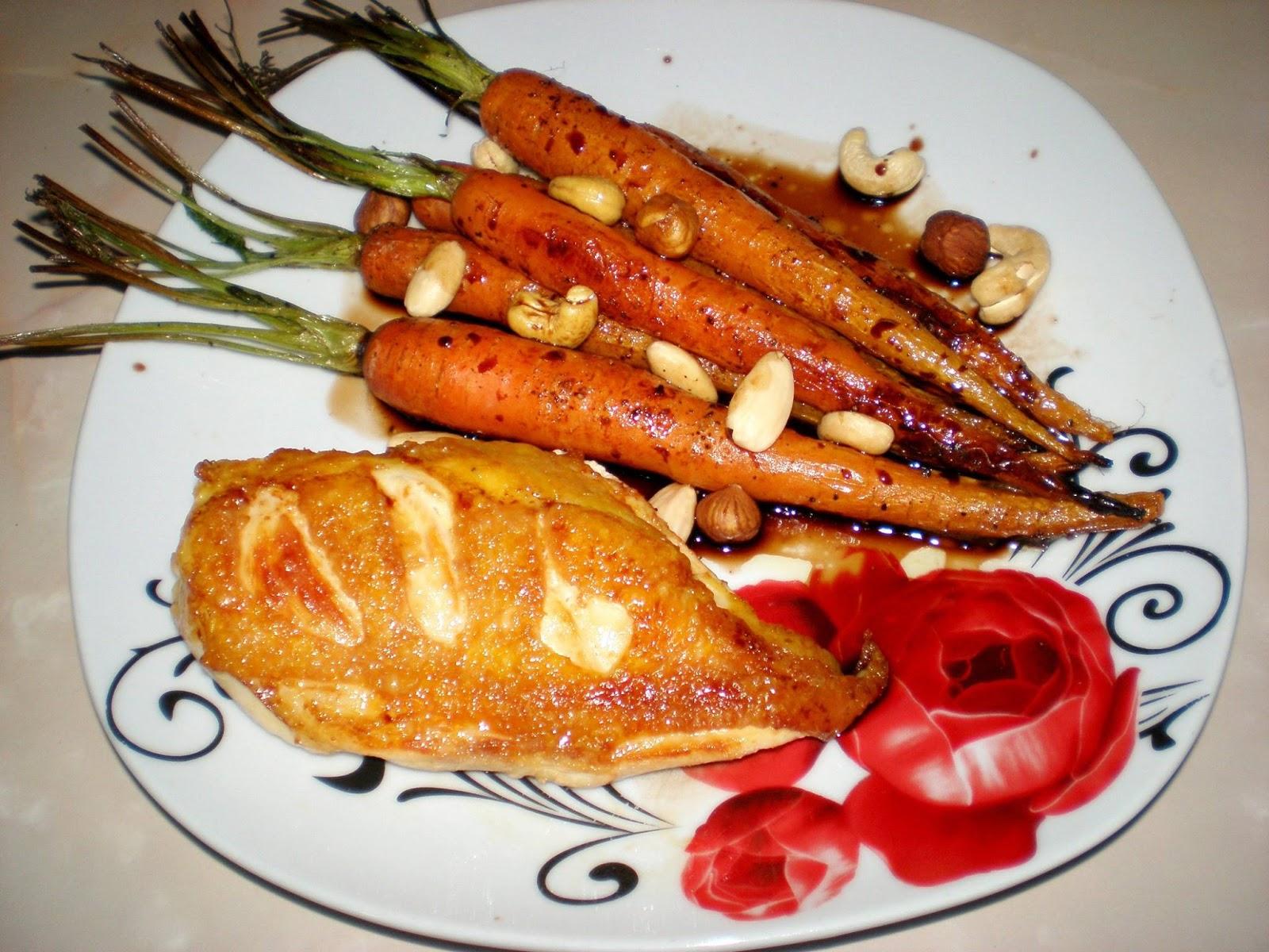 Piept de pui cu morcovi la cuptor