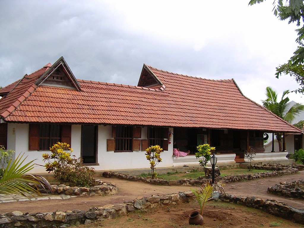 Padippura design images shape kerala home - Dakshinachitra Traditional Kerala Syrian Christian House