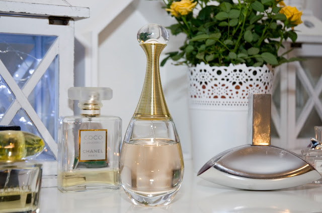 Dior J'adore jak pachną, wygląd butelki perfum