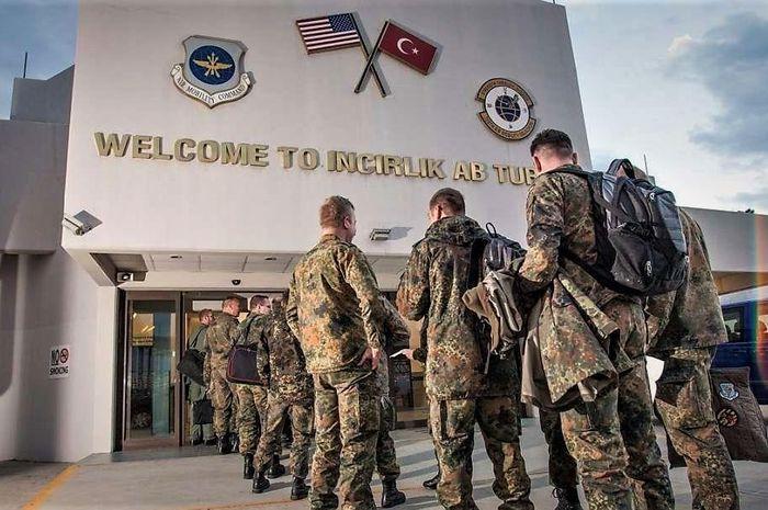 AS Minta Penjelasan Erdogan Soal Penutupan Pangkalan Udara