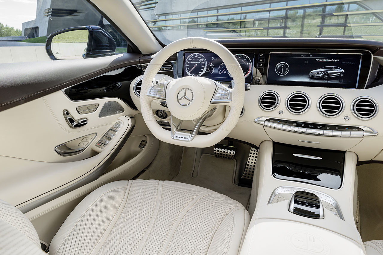 Mercedes-Benz S 65 AMG Coupé dash