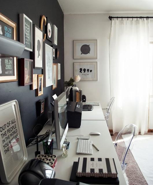 Home office com parede preta é arrojado e clean. Blog Achados de Decoração